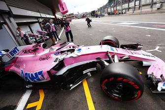 Sergio Perez, Racing Point Force India VJM11, verlaat de pitbox