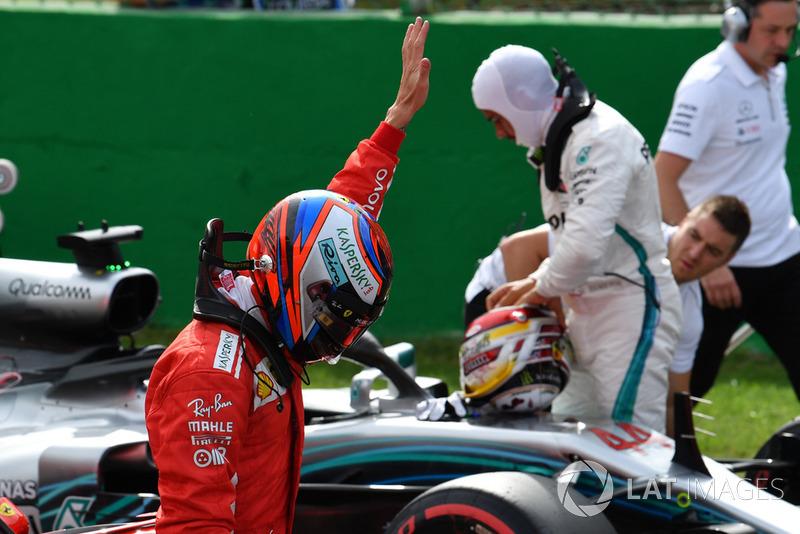 Le poleman Kimi Raikkonen, Ferrari fête sa pole position