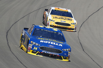 Michael McDowell, Front Row Motorsports, Ford Fusion Speedco/Rotella e Trevor Bayne, Roush Fenway Racing, Ford Fusion AdvoCare Rehydrate
