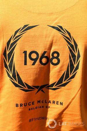 شعار أول فوز لبروس مكلارين