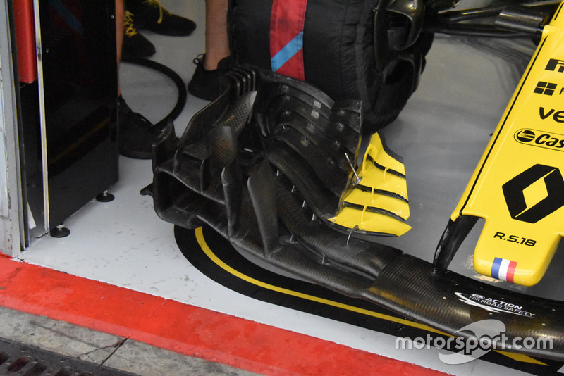 Renault F1 front wing technical detail
