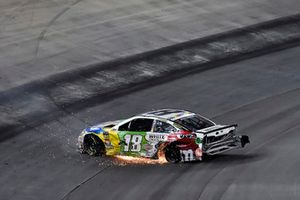 L'auto incidentata di Kyle Busch, Joe Gibbs Racing, Toyota Camry M&M's White Chocolate