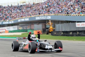 Robert Doornbos in de tweezitter, Gamma Racing Day