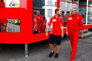 Sebastian Vettel, Ferrari, Maurizio Arrivabene, directeur de Ferrari