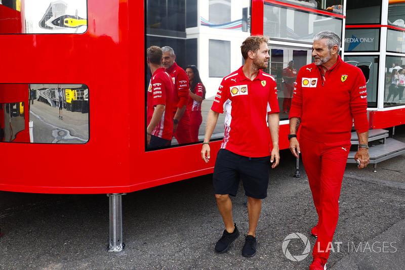 Sebastian Vettel, Ferrari, Maurizio Arrivabene Director del equipo, Ferrari