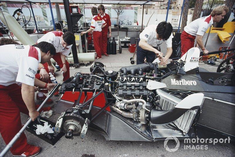 A McLaren de 1988 é o único carro a vencer 11 corridas em sequência na história. Na verdade, nenhum time jamais venceu mais de 10 corridas em sequência, apenas a McLaren nesta temporada
