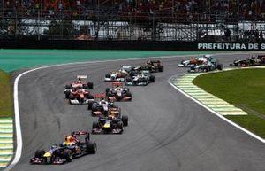 Sebastian Vettel, Red Bull Racing lidera en la salida