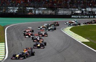 Sebastian Vettel, Red Bull Racing in testa dopo la partenza del, GP del Brasile del 2011
