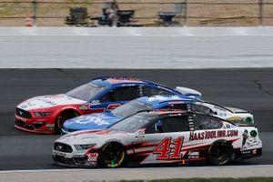 Cole Custer, Stewart-Haas Racing, HassTooling.com Ford Mustang, Joey Logano, Team Penske, AAA Insurance Ford Mustang, Ricky Stenhouse Jr., JTG Daugherty Racing, Kroger Chevrolet Camaro