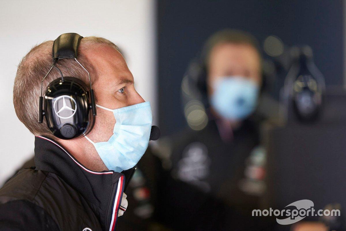 Un membro del team Mercedes F1 AMG