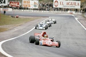 Ronnie Peterson, March 721X Ford devant Rolf Stommelen, March 721 Ford