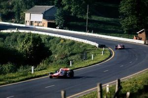 Chris Amon, March 701 Ford, Piers Courage, De Tomaso 308 Ford
