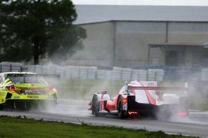 #14 AIM Vasser Sullivan Lexus RC-F GT3, GTD: Jack Hawksworth, Aaron Telitz, #6 Acura Team Penske Acura DPi, DPi: Juan Pablo Montoya, Dane Cameron