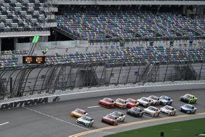 Austin Cindric, Team Penske, Ford Mustang MoneyLion, Michael Annett, JR Motorsports, Chevrolet Camaro Pilot Flying J
