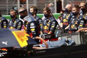 Red Bull mechanics on the grid