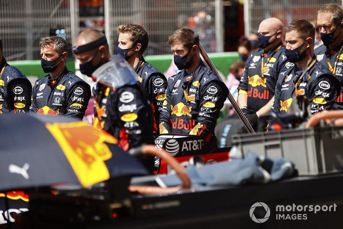 La mecánica de Red Bull en la parrilla