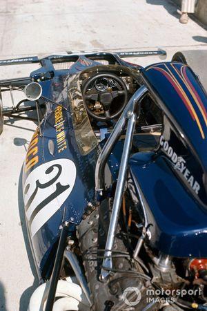 Mark Donohue, McLaren M19A Ford cockpit detail