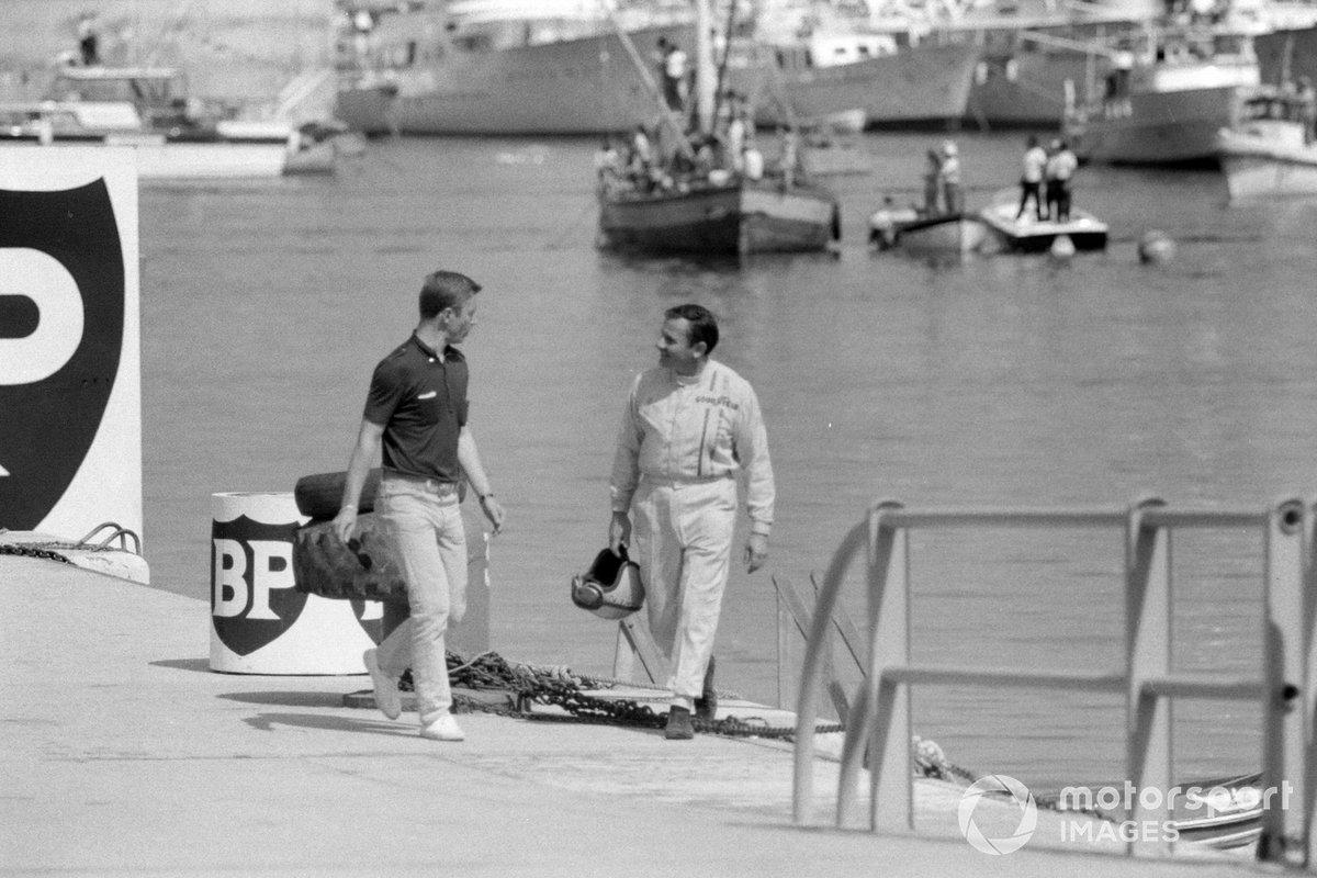 Bruce McLaren, McLaren regresa caminando