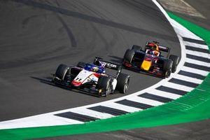 Louis Deletraz, Charouz Racing System, leads Yuki Tsunoda, Carlin