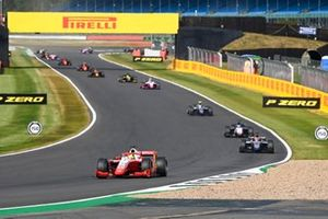 Mick Schumacher, Prema Racing, leads Nikita Mazepin, Hitech Grand Prix, Louis Deletraz, Charouz Racing System, and Luca Ghiotto, Hitech Grand Prix