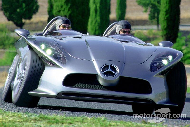 Mercedes F400 Carving