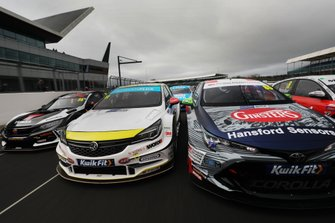 Jason Plato, Power Maxed Racing Vauxhall Astra and Tom Ingram, Toyota Gazoo Racing UK with Ginsters Toyota Corolla