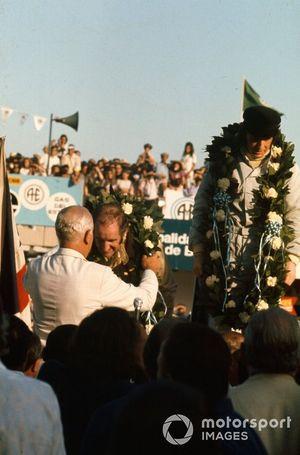 Yarış galibi Jackie Stewart, 2.Denny Hulme