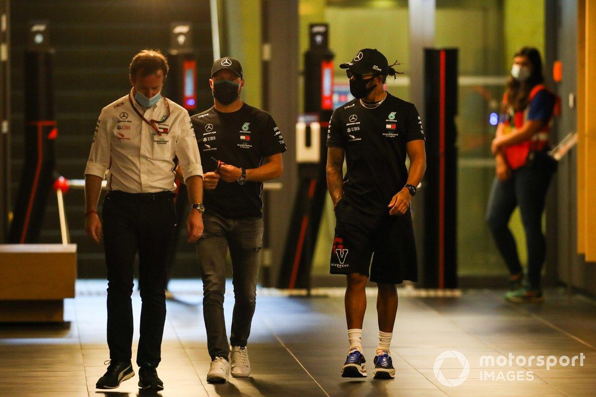 Bradley Lord, Valtteri Bottas, Mercedes-AMG Petronas F1 and Lewis Hamilton, Mercedes-AMG Petronas F1