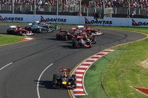 Sebastian Vettel, Red Bull Racing RB7 líder al inicio
