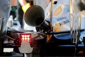 Nico Rosberg, Mercedes AMG F1 W05 prueba una configuración de escape más ruidosa