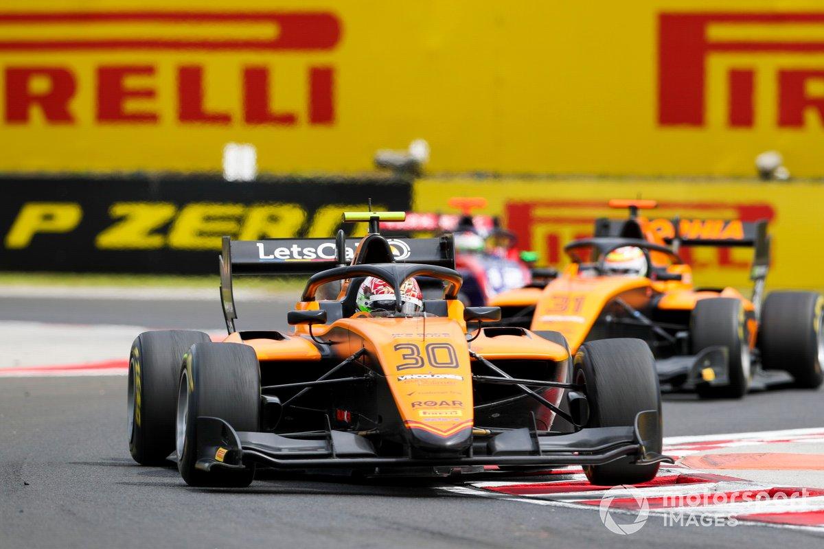 Alessio Deledda, Campos Racing, precede Sophia Floersch, Campos Racing