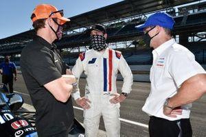 Jimmie Johnson with Scott Dixon, Chip Ganassi