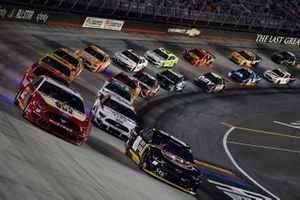 Ryan Blaney, Team Penske, Ford Mustang BodyArmor, Alex Bowman, Hendrick Motorsports, Chevrolet Camaro ChevyGoods.com/Adam's Polishes