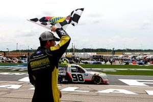 Race winner Grant Enfinger, ThorSport Racing Ford