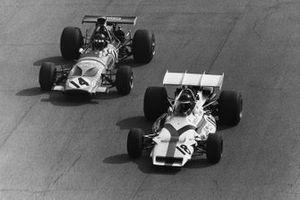 Peter Gethin, McLaren M14A Ford, Jackie Oliver, McLaren M14A
