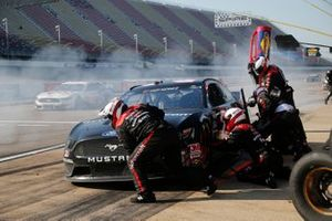 Matt DiBenedetto, Wood Brothers Racing, Ford Mustang #FordStrong Technicians