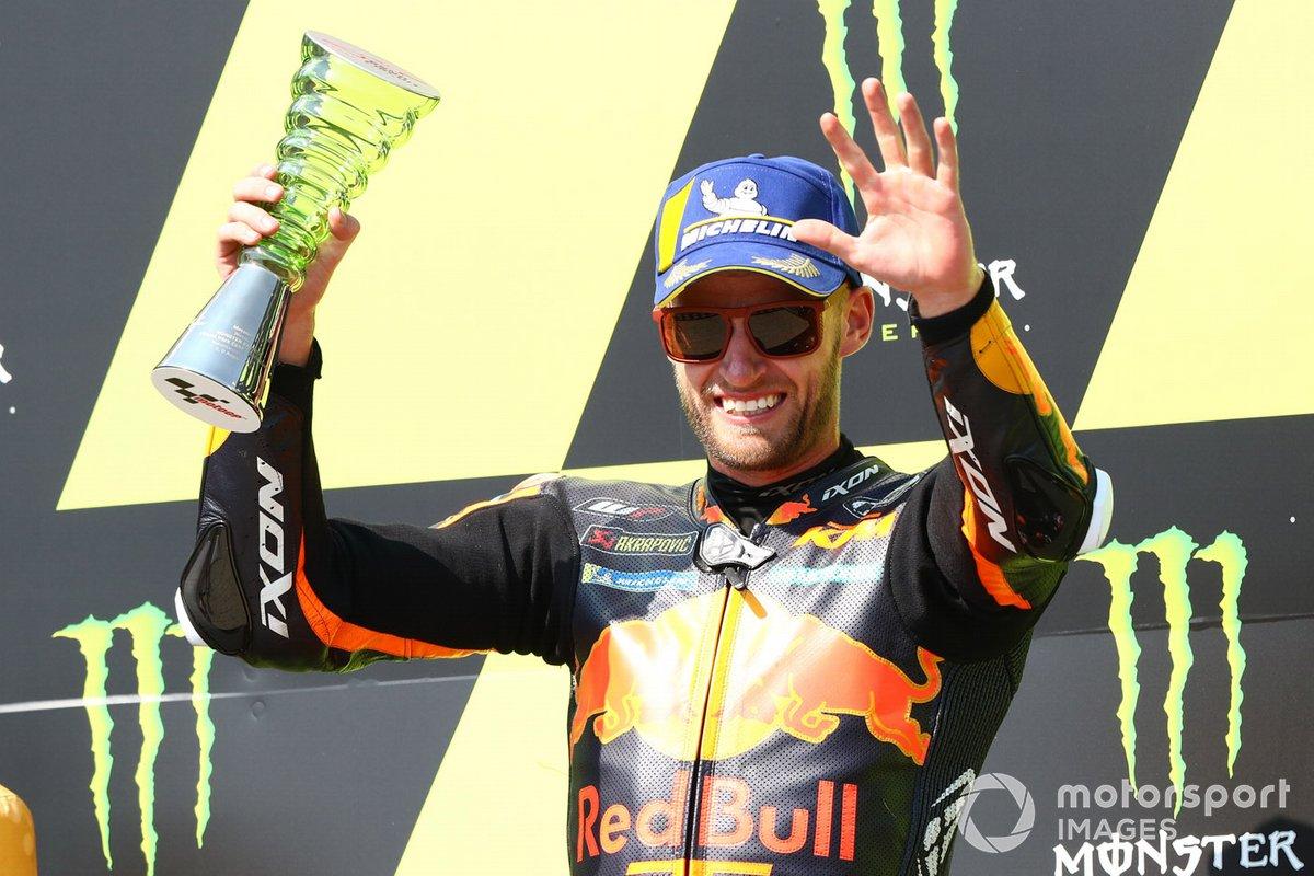 Podio: ganador de la carrera Brad Binder, Red Bull KTM Factory Racing