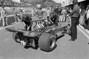 Mechanics work on Ronnie Peterson's March 721G Ford