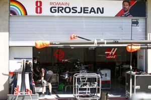 Garage of Romain Grosjean, Haas VF-20