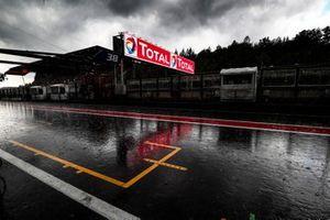 La pioggia prima della partenza della gara