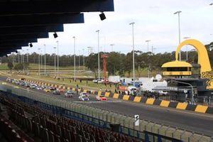 Startaufstellung im Sydney Motorsport Park in Eastern Creek