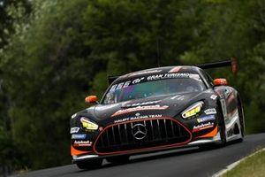 #6 Mercedes-AMG Team HRT Mercedes AMG-GT3: Maro Engel, Patrick Assenheimer