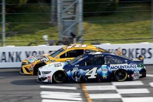 Kevin Harvick, Stewart-Haas Racing, Ford Mustang, Kyle Busch, Joe Gibbs Racing, Toyota Camry