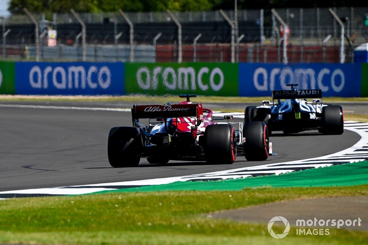 Daniil Kvyat, AlphaTauri AT01, Kimi Raikkonen, Alfa Romeo Racing C39