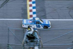 Race Winner Austin Hill, Hattori Racing Enterprises, Toyota Tundra