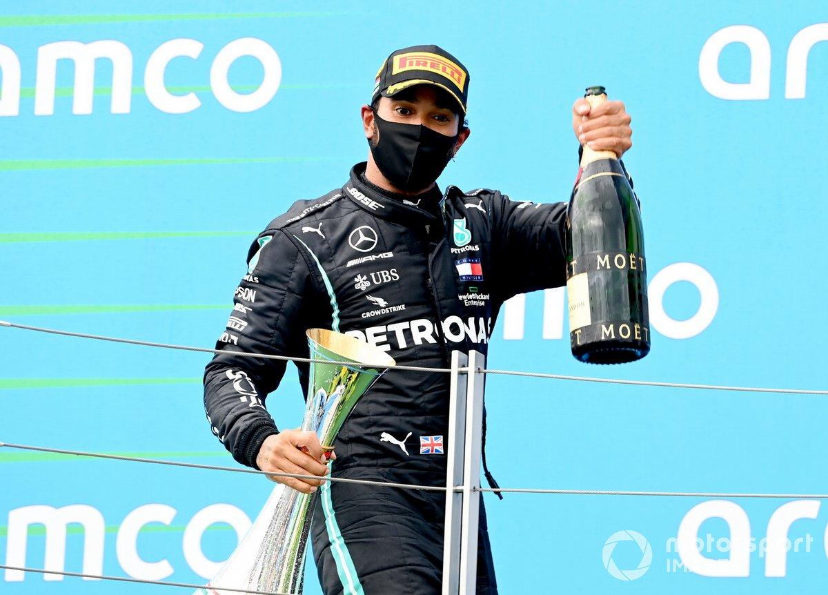 Lewis Hamilton, Mercedes-AMG Petronas F1, 1st position, on the podium