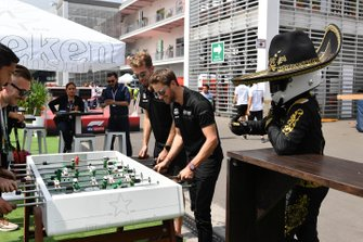 Romain Grosjean, Haas F1 plays table football with Mario Achi, Mexican GP Promoter