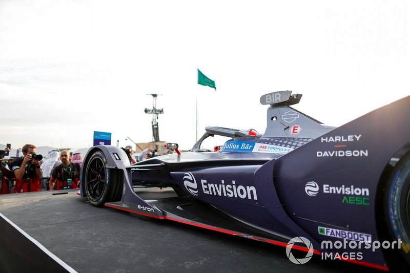 Race winner Sam Bird, Virgin Racing, Audi e-tron FE06 arrives on the podium