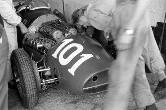 Mechanics work on Alberto Ascari's Ferrari 500