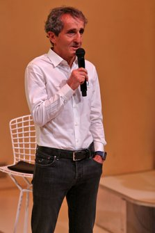Alain Prost, Renault F1 Team Non-Executive Director